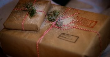 Free crafts at the Dolphin Shopping Centre this Christmas