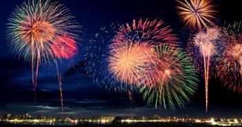 Summer-breeze-fireworks-poole-quay