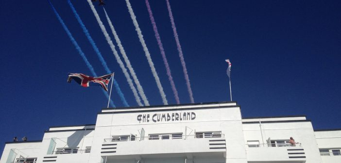 The Red Arrows fly over the Cumberland Hotel