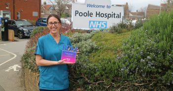 Poole Hospital midwife wins award