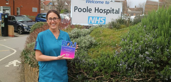 Poole Hospital midwife wins award