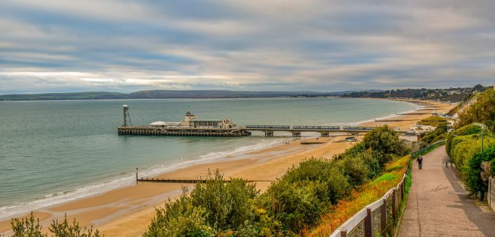 image of bournemouth pier and bournemouth beach from the cliffs