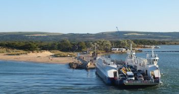 image of the sandbanks ferry